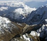 Mountain glacier variations: natural thermometers and rainfall gauges