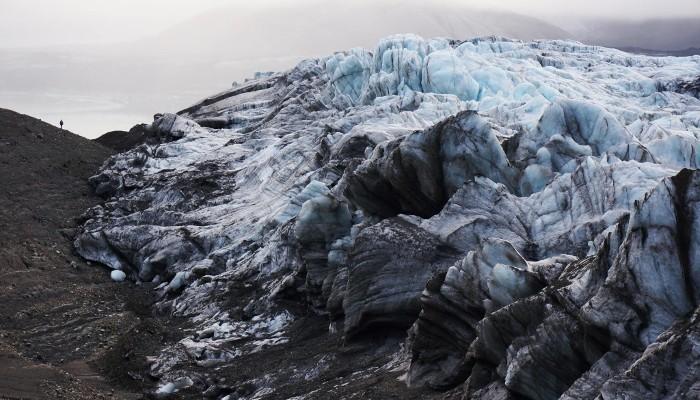 The bi-polar behaviour of surge-type glaciers – Heidi Sevestre