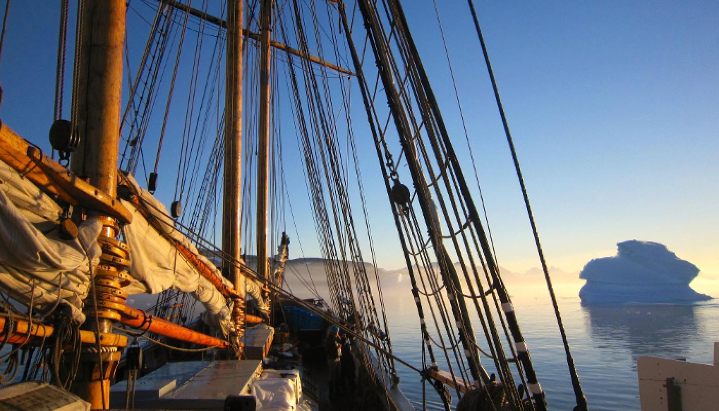 Cryospheric Sciences   High-tech science, old-school ship