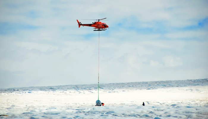 Image of the Week : SAFIRE team getting ready to drill in Greenland