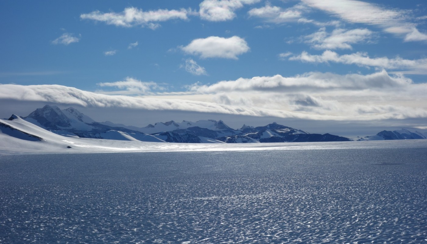Cryospheric Sciences | Sunshine, ice cores, buckets and ALE DrlgW