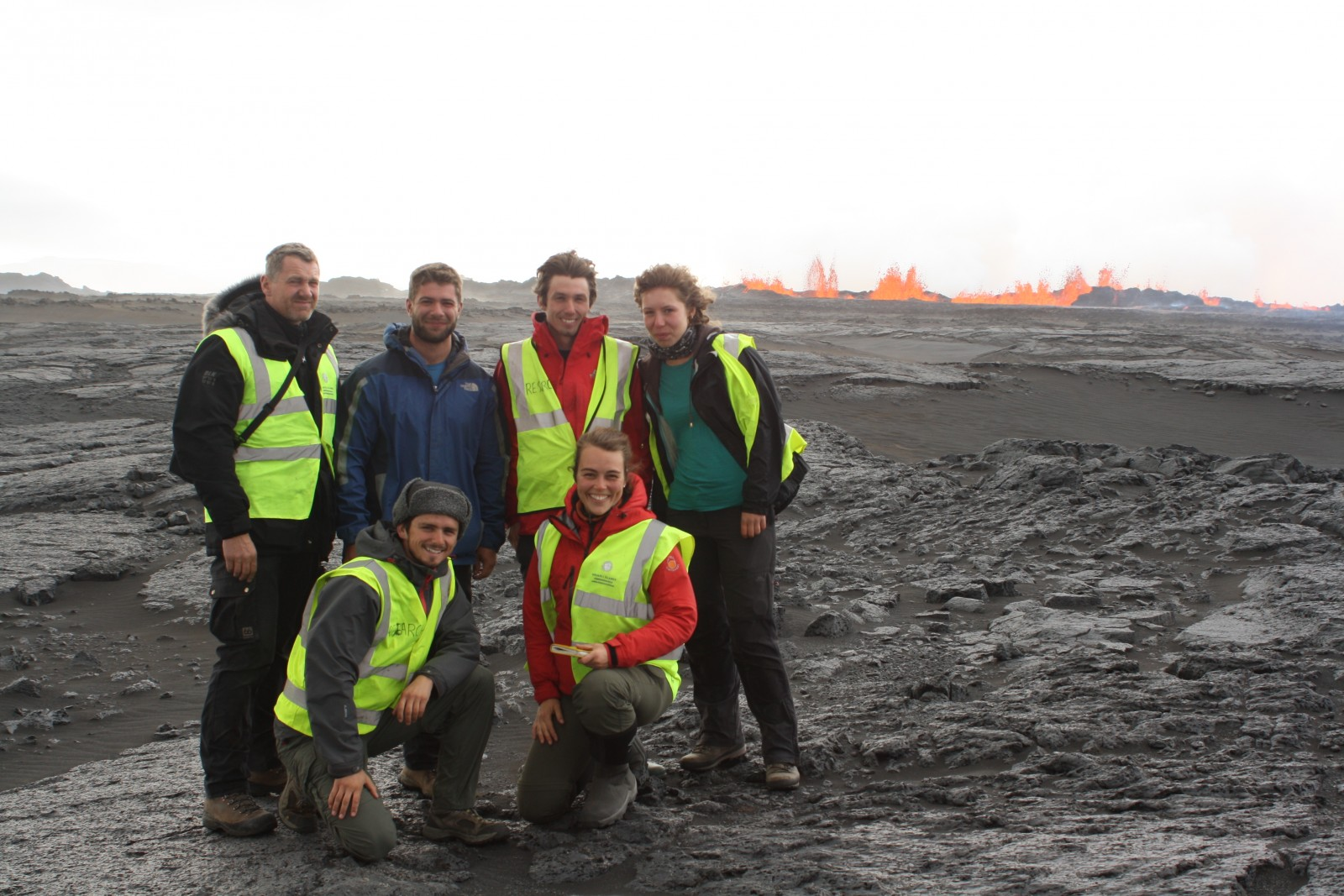 Cambridge Volcano seismology group in front of the fissure eruption on the first day of the 2014-15 Bárðarbunga-Holuhraun eruption.