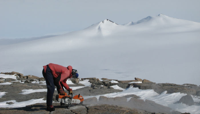 Radiocarbon rocks! – How rocks can tell us about the history of an ice sheet…