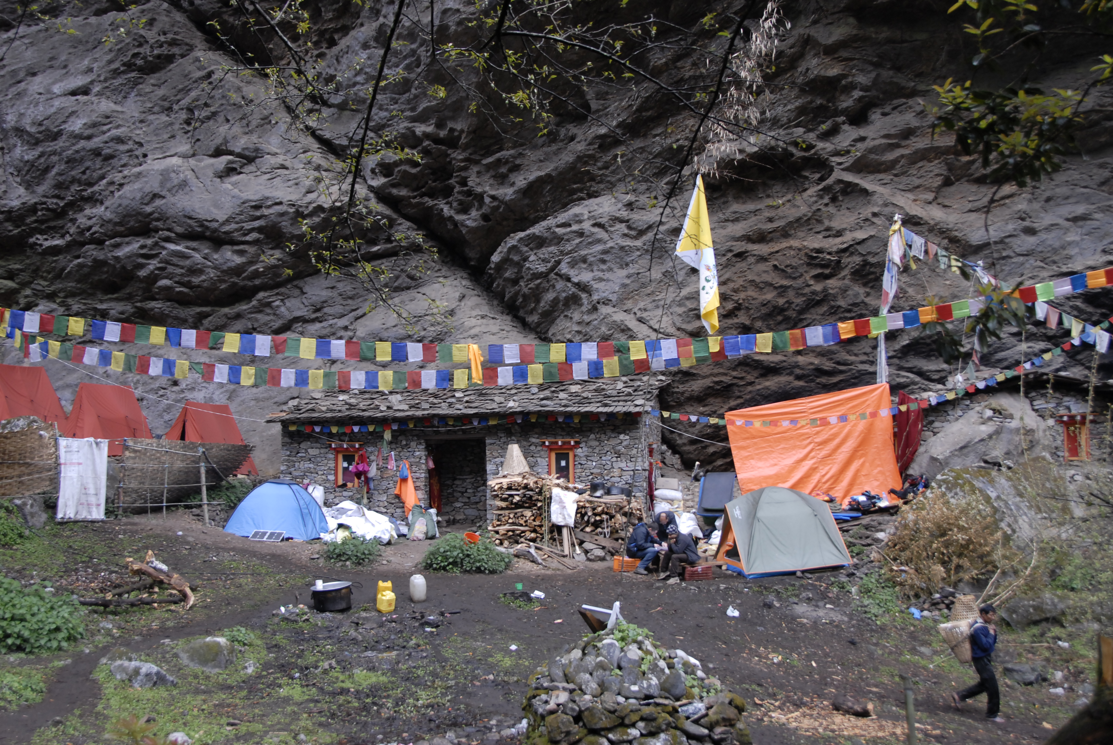 The retreat where lamas provided us with food and shelter (by Prof. Dr. Klaus Katzensteiner).
