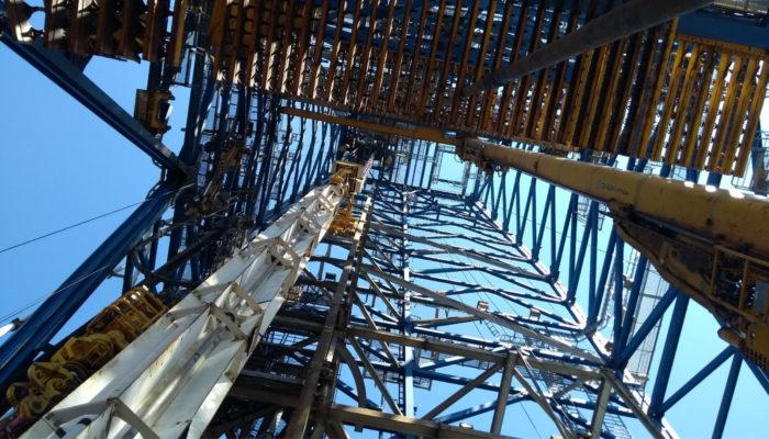 The drilling derrick on DV Chikyu