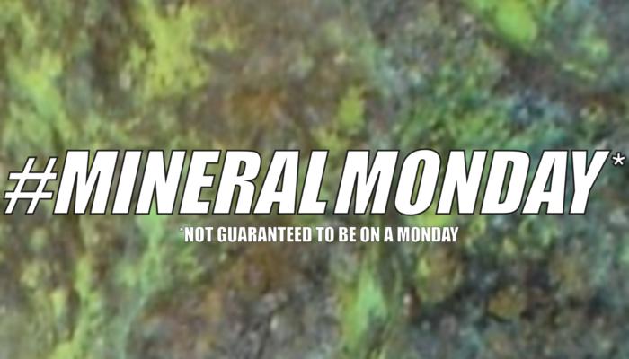 #mineralmonday : sengierite