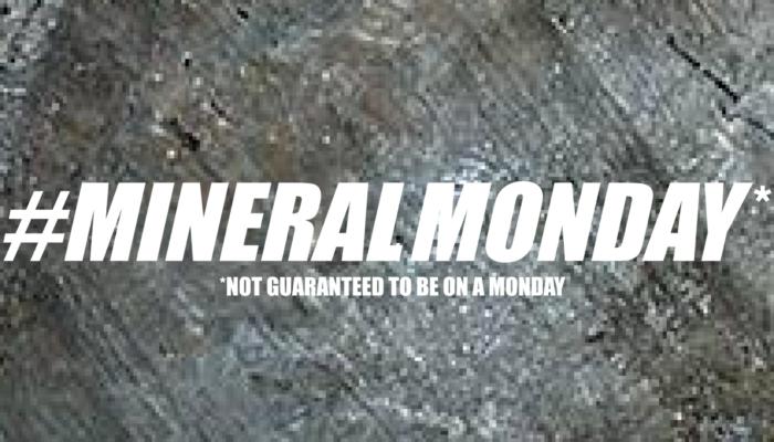 #mineralmonday : lithiophilite