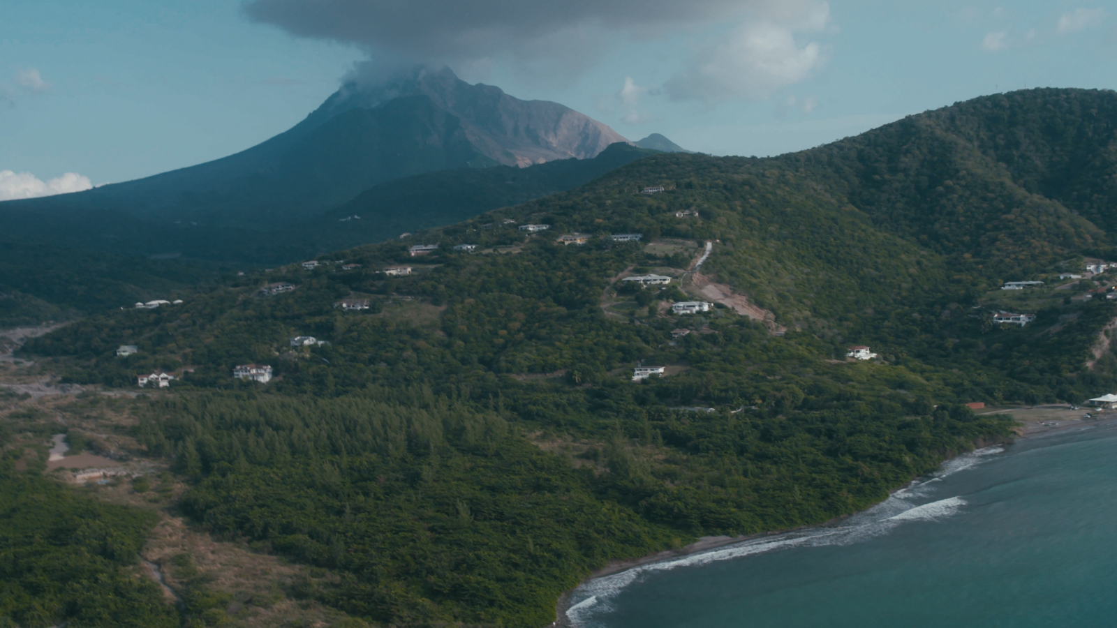 The devil in disguise: filmmaking lives under the threat of volcanoes.