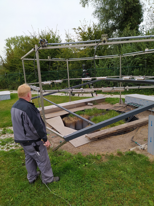 This setup will allow experiments to run at up to 7°C above ambient temperature combined with the already-running irrigation control. Photo credit: Marc Wellens.