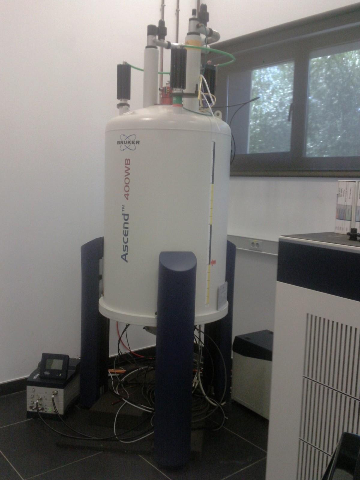 Nuclear magnetic resonance (NMR) spectroscopy equipment