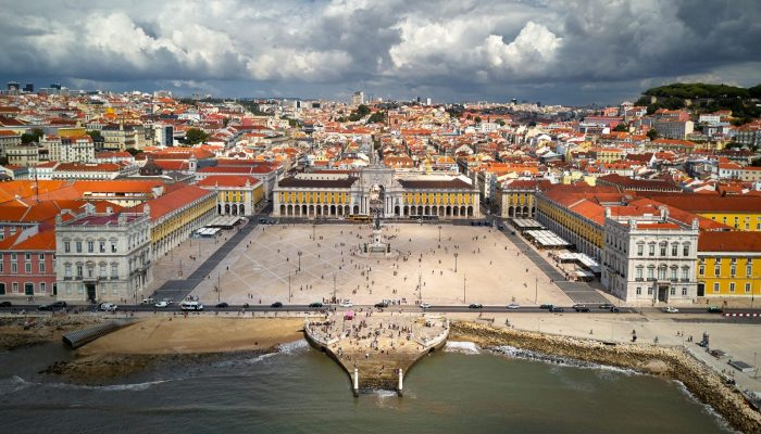 Lisbon at the dawn of modern geosciences