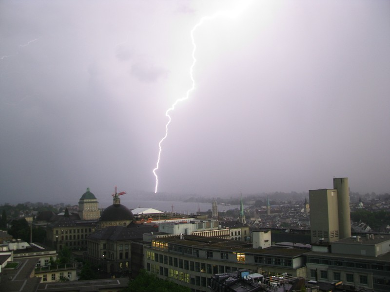 Zurich lit by lightning by Ryan Teuling, distributed by EGU under a Creative Commons licence.