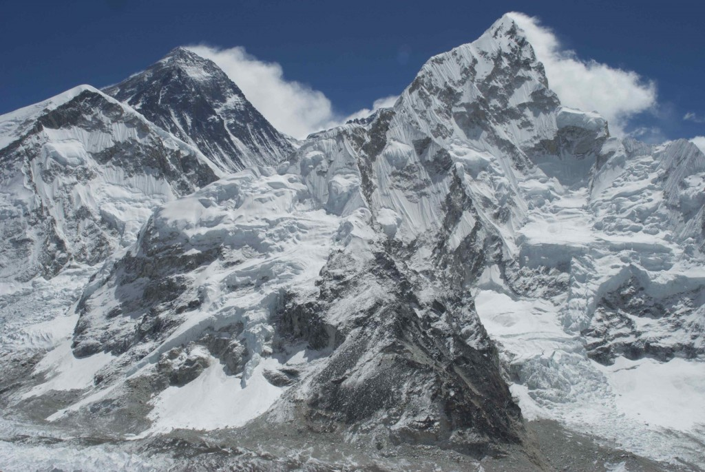 The spectacular view of the Everest and the Lhotse from Kala Patthar. (Credit: Jane Qiu)