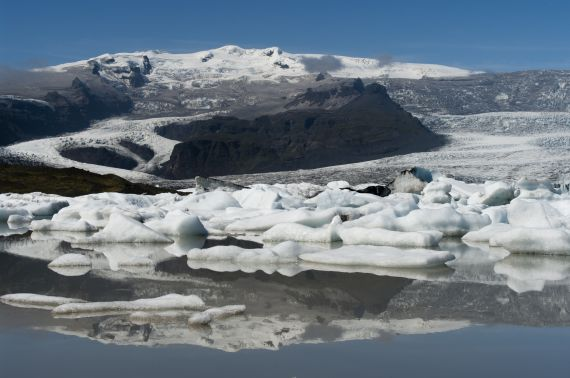 """""""Fjallsjökull after the 2011 Grímsvötn eruption"""" by Joanna Nield, distributed by the EGU under a Creative Commons licence."""