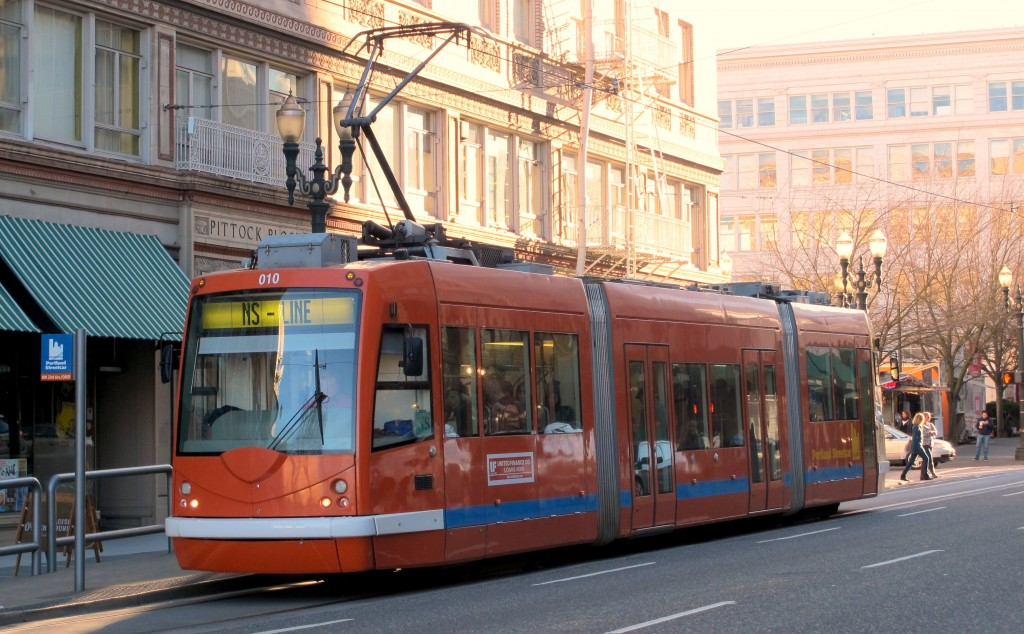 A streetcar in downtown Portland. The city's streetcar network opened in 2001 and currently comprises two lines, with a daily ridership of 13,100 (2012-2013). (Credit: Edvard Glücksman)