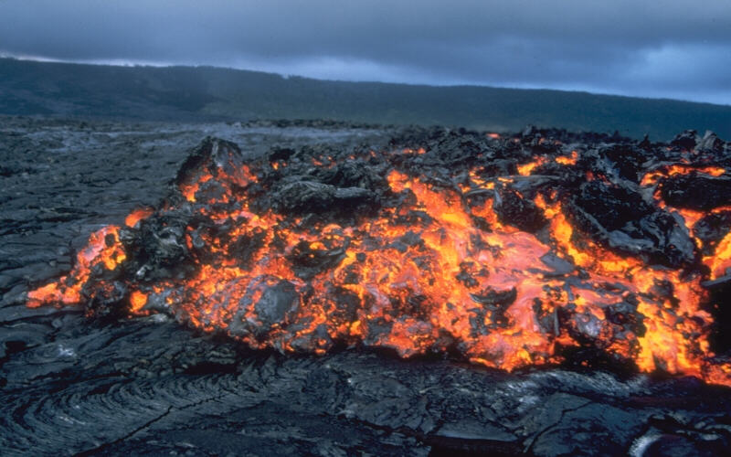 A'a lava (and a little pahoehoe in the foreground). (Credit: USGS)