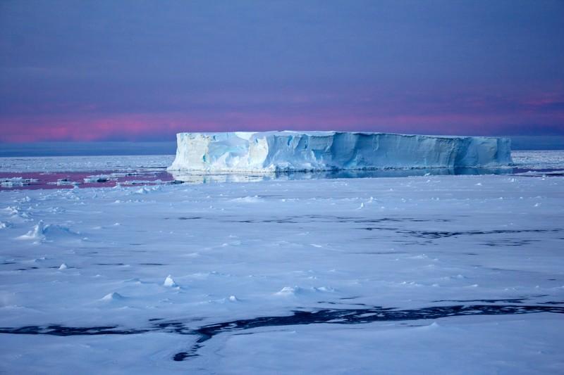 Icebergs at Night in the Antarctic by Eva Nowatzki (via imaggeo.egu.eu)