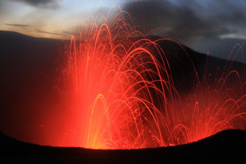 Nature's Fireworks by Derya Gürer (via imaggeo.egu.eu).