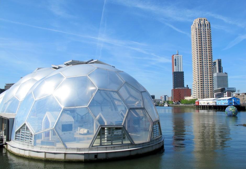 Rotterdam's Drijvend Paviljoen (Floating Pavilion), a pilot in climate-proofing infrastructure. (Credit: Edvard Glücksman)