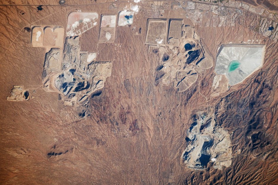An open pit mine in southern Arizona. (Credit: NASA)