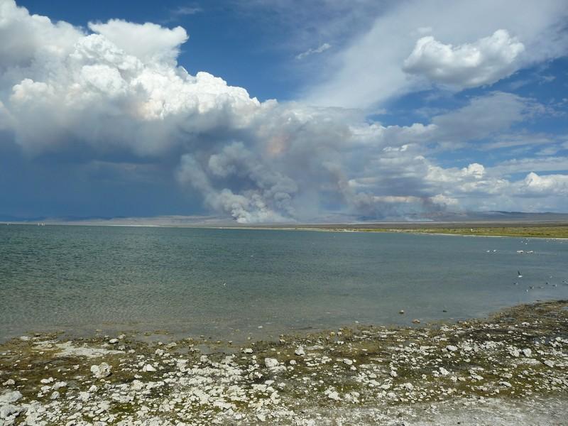 Desert fires close to Mono Lake, California. (Credit: Gabriele Stiller via imageo.egu.eu)