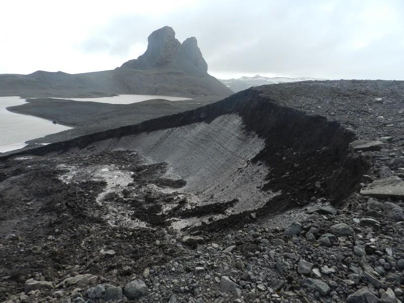 Slump-permafrost, Potter Peninsula, Antarctica. (Credit: Marc Oliva via imaggeo.egu.eu)