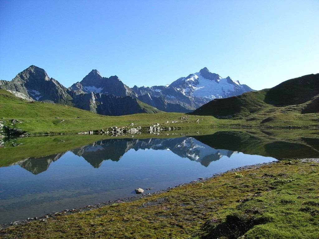 Mya lake in the French Alps. Credit: Sandrine Tacon (distributed via imaggeo.egu.eu).