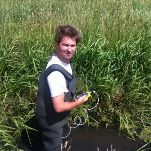 Rolf Hut testing the temperature-sensing waders in the field. Credit: Tim van Emmerik