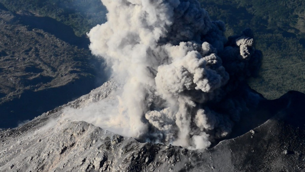 An explosion at the dynamic Santiaguito volcano (Guatemala) in January 2016 – the volcano offers a unique monitoring opportunity as the ancestral Santa Maria volcano sits just a few km away and several hundred meters higher – the perfect vantage point. (Credit: Jackie Kendrick)