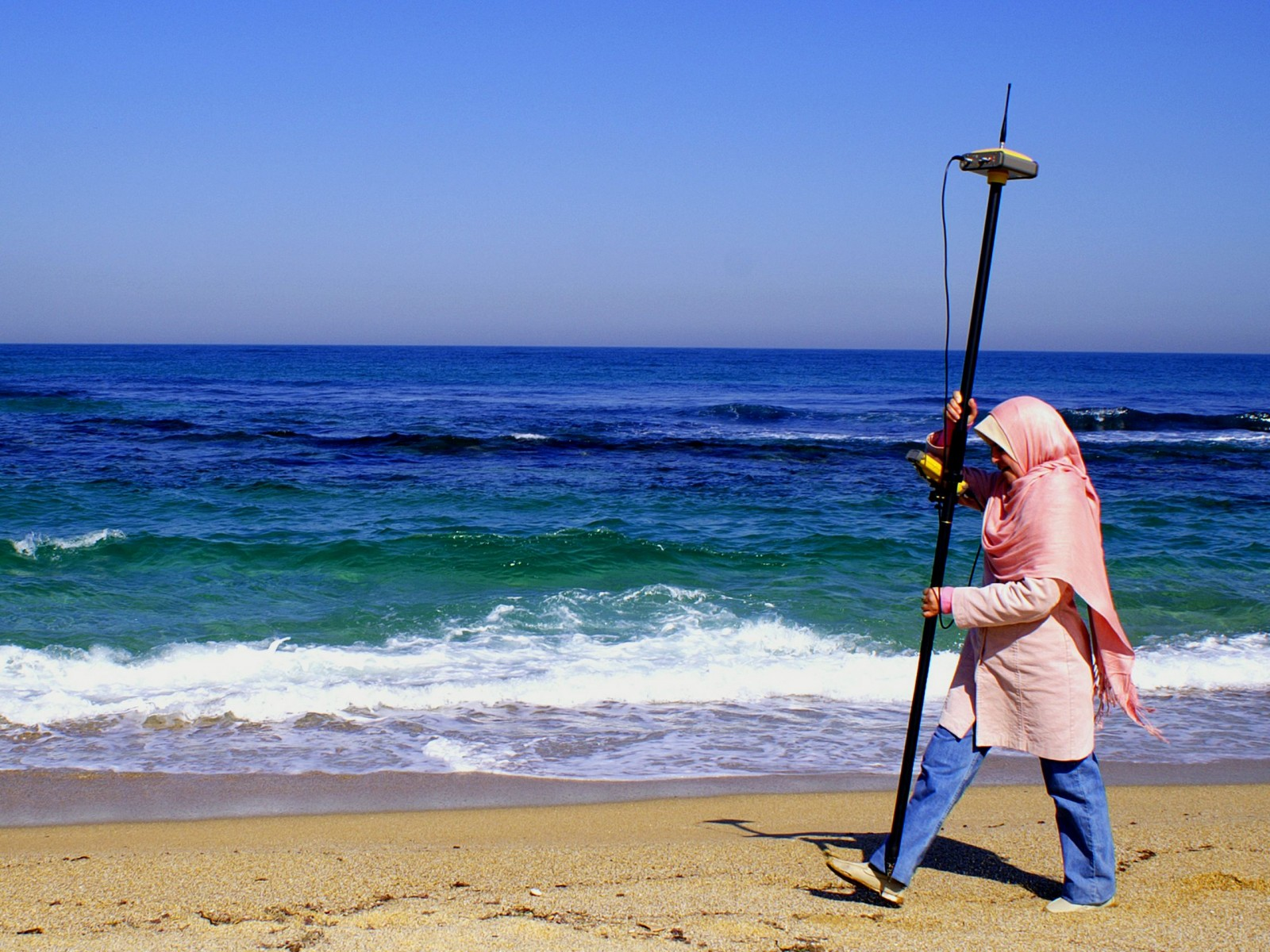 How visible are women in geoscience? (Mapping the Algerian shoreline credit: Filippo Dallosso, distributed via imaggeo.egu.eu)