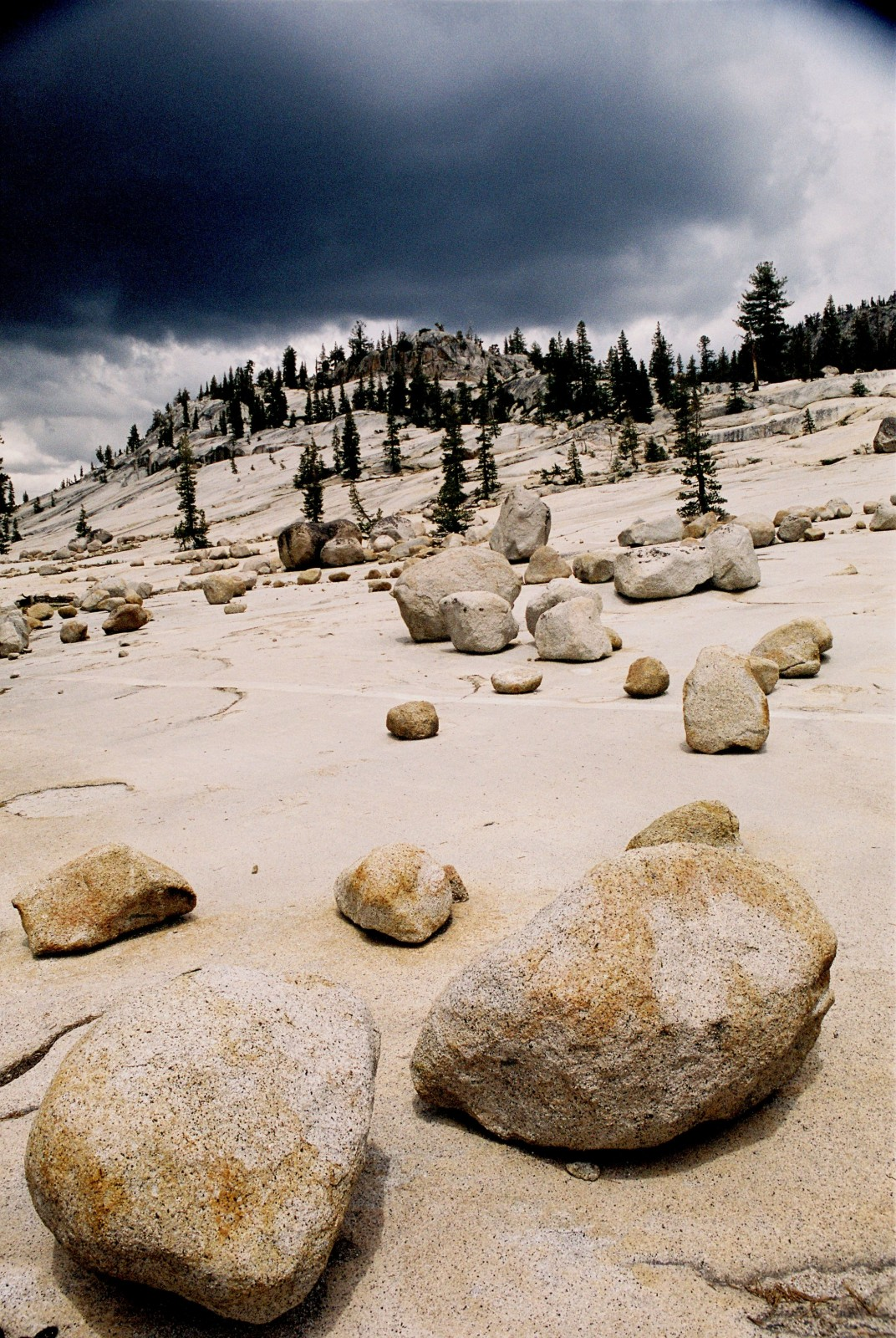 Glacial erratic rocks . Credit: Yuval Sadeh (distributed via imaggeo.egu.eu)