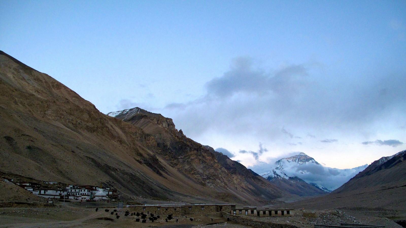 Sunset on Mt. Everest & Rombuk Monastery. Credit: Peter Lippert