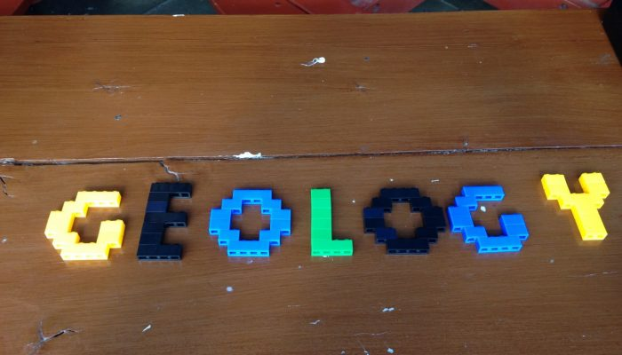 Discover geology with Lego!