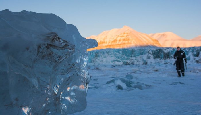 Imaggeo on Mondays: Wandering the frozen Svalbard shore