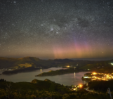 Imaggeo On Monday: Aurora Australis with Southern Cross and Pointer stars
