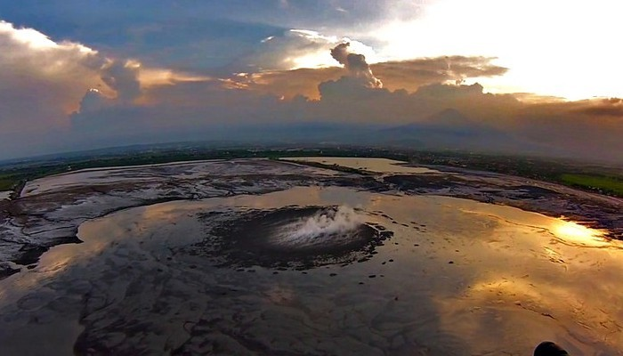 Imaggeo on Mondays: Lusi from the sky with drones