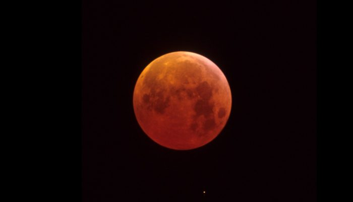 Imaggeo on Mondays: A total eclipse of the Moon