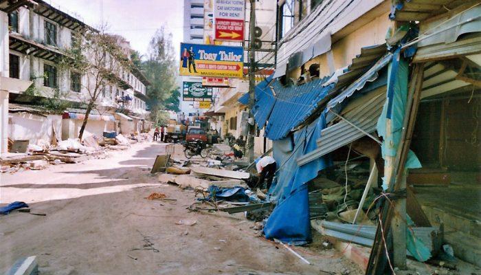 Top ten tourist beaches threatened by tsunamis