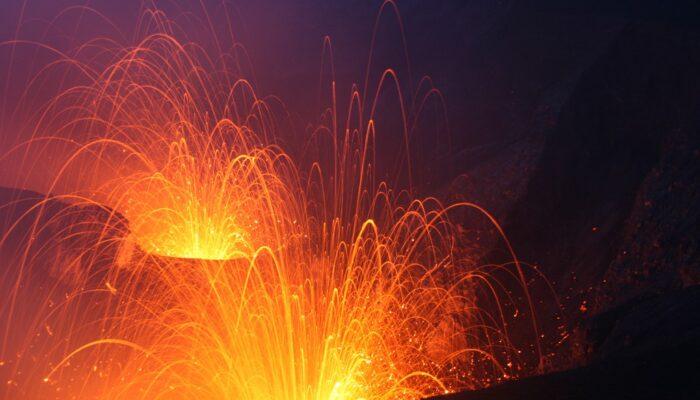Imaggeo on Mondays: Double strombolian explosions at Mt. Yasur volcano
