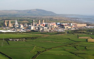Aerial view the Sellafield nuclear reprocessing plant in Cumbria - Source: Simon Ledingham, WIkimedia Commons.