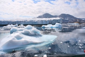 Glaciers outside of Ammassalik in Greenland - Source: Christine Zenino, Wikimedia Commons.