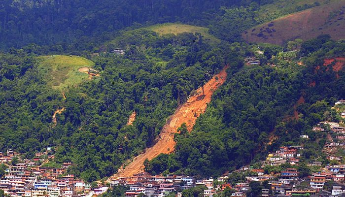 Rainfall related geohazards: floods, landslides and mudslides in Rio – A dangerous combination of nature and human-related factors