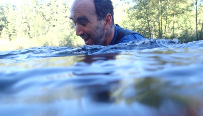 Stupid fun things I do in water #1: snorkle in a cold river with baby salmon